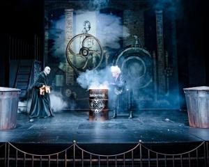 der satanarchäolügenialkohöllische wunschpunsch – stadttheater konstanz 2020